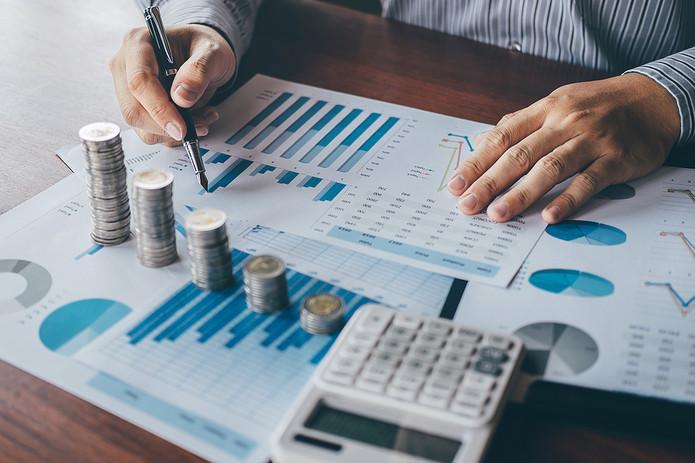 Accountant and Charts