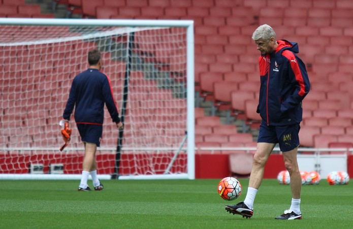 Arsene Wenger at Arsenal Training Session