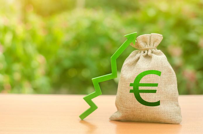 Euro Moneybag and Green Arrow