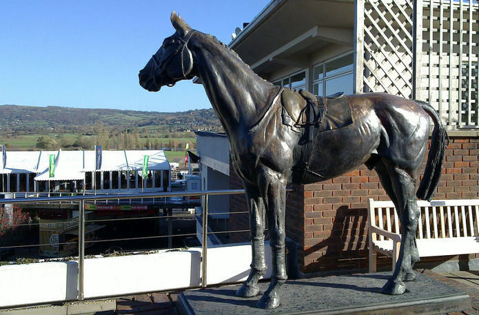 Statue of Five Time Cheltenham Gold Cup Winner Golden Miller