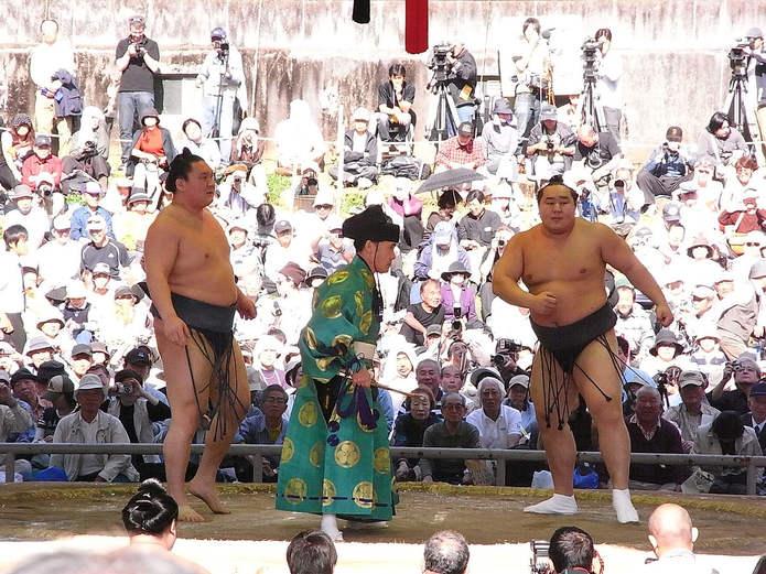 Hakuho Sho fighting Asashoryu Akinori
